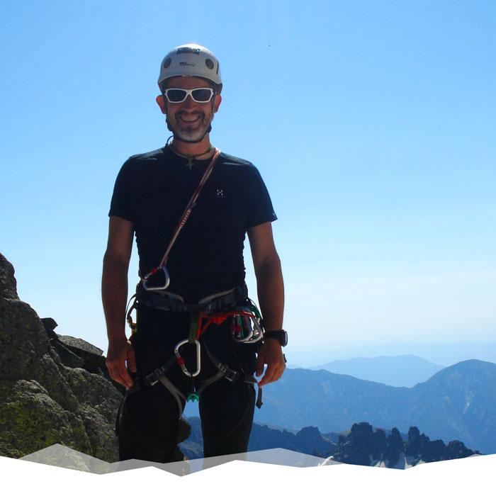 Eduardo - Guía de montaña y fundador de Ussuri Trek. Empresa de viajes y salidas de senderismo por España y Europa.